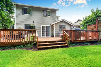 Should You Repair or Replace Your Deck This Summer?